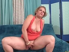 Amateur, Granny, Kelly Leigh, Mature, Short Haired,