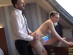 Eier Lecken, Bekleideter Sex, Paar, Cowgirl, Deepthroating, Schwanz, Maulfick, Hardcore, Missionar, Natürliche Titten,