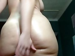 Amateur, Booty Shaking,